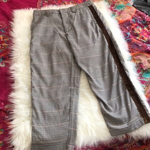 - Urban outfitters Crop pants size 30